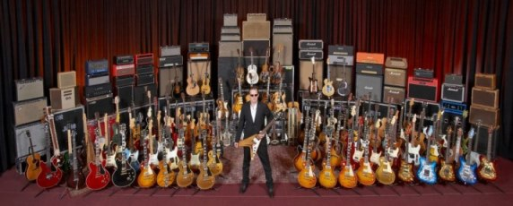 What a beginner guitarist needs